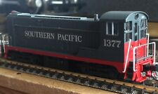 Atlas N' VO-1000 Southern Pacific #1377 (Grey/Scarlet) New, unboxed