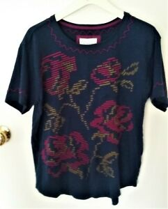 Anthropologie Ladies T-Shirt Navy with Flowers Roses Embroidered at front VGC S