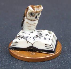 Ceramic Owl On An Open Book Tumdee 1:12 Scale Dolls House Bird Accessory A