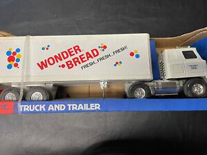 Ertl 3810 Wonder Bread Truck & Trailer NOS