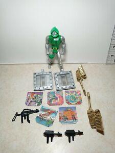 Vtg 1984 Marvel Secret Wars Action Figure & Accessory LOT Dr. Doom Shield Gun
