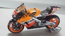 Nicky Hayden. Honda RC211V. Repsol Honda Team. MotoGP 2006. Minichamps 1/12.