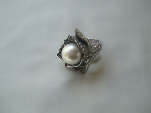 Silver Coloured Ring, Haematite & Clear Crystal Stones Pearl Ball Centre Size 20