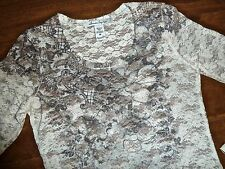 AMERICAN RAG - CREAM LACE & GRAY FLORAL LONG-SLEEVE TOP – MISSES M