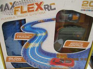 MAX TRAXXX FLEX RC GLOW IN THE DARK FLEXIBLE TRACK SYSTEM-200 TRACK PCS~NEW/BX