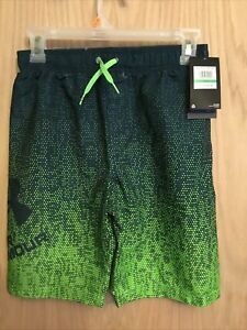 Under Armour Boys' UA Blackrun Green Gradient Volley Shorts Youth Large NEW Nwt