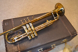 F.E. Olds & Sons SUPER OLDS Trumpet & Original case in Super Condition w/ Xtras