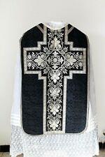 Chasuble Romaine de prêtre en soie noire avec voile de calice XIXe Siècle