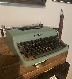 Olivetti Underwood Lettera 32 Portable Typewriter Vintage Spain
