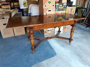 Antike Tische günstig online kaufen | LionsHome