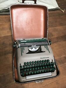Vintage Smith Corona Silent-Super Manual Typewriter With Case Circa 1950