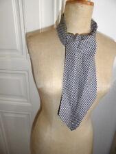 Krawattenschal, Seide+Wolle, Schwarz+grau+innerhalb roter Punkt, grau Futter,
