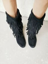 Minnetonka Black Suede Women's 8 Zip On 3-Layer Fringe Boots