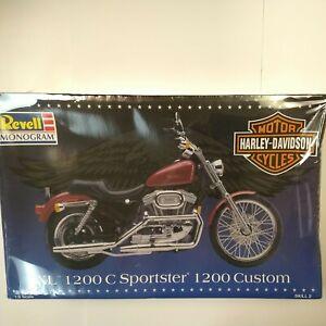 Revell Monogram Harley-Davidson XL 1200C Sportster 1200 Custom Model 1:8 Scale