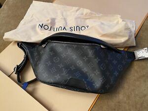New Authentic Louis Vuitton Monogram Eclipse Discovery Bumbag M44336 Black Noir