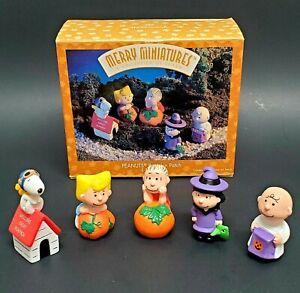 Hallmark PEANUTS Pumpkin Patch Halloween Merry Miniatures Set of 5 Figurines '96