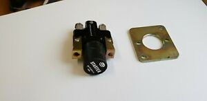 BUS SURPLUS  (TRACTOR MILITARY CAV STARTER SWITCH WITH FIXING PLATE)