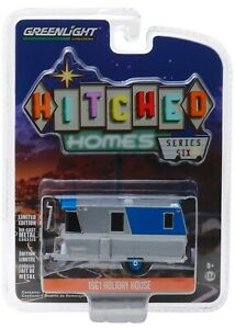 1:64 GreenLight *HITCHED HOMES 6* BLUE & SILVER 1959 HOLIDAY HOUSE Camper *NIP*