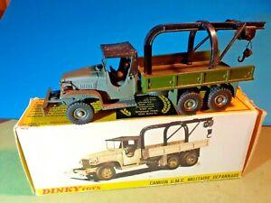 DINKY TOYS: camion GMC militaire de dépannage.