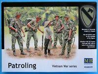 MAS3599  Masterbox 1:35 - Patrolling, Vietnam War Series