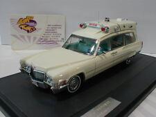 "Matrice 20301-192 - CADILLAC SUPERIOR 51 Ambulance année de fabrication 1970 in ""BLANC"" 1:43"