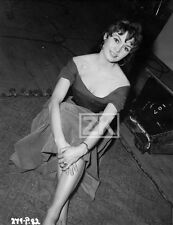 BRIGITTE BARDOT Doctor at Sea Nightclub Singer Rank Film Tournage Photo 1955