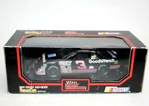 Dale Earnhardt Sr 1992 #3 GM Goodwrench 1:24 Racing Champions Black Box New