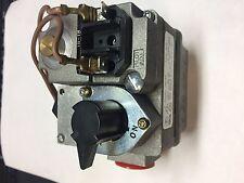 white Rogers gas valve. 36C68 type 976 24V range 2.5-5.0 WC