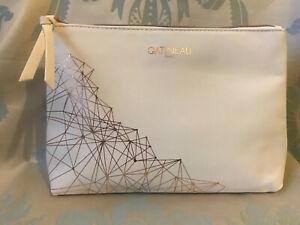 Gatineau White & Rose Gold Beauty Bag / Make-Up Bag