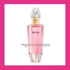 Testez la nouvelle eau de parfum Avon DREAMS - prune, rose, patchouli