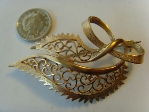 Lovely 9ct gold large brooch hallmarked heavy 9.7g NOT SCRAP