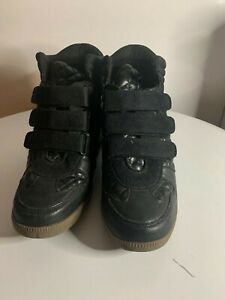 Report Women's Vegan Boots. Size 9, black. Pre-owned worn twice, like new