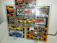 1 Lot of 5 Die Cast Cars with Pit Action Service Kits, 1:43 scale, NEW