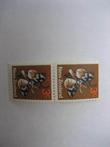 NEW ZEALAND 1971 3c BUTTERFLY PAIR WMK SIDEWAYS INVERTED(ex booklet) SG 918b