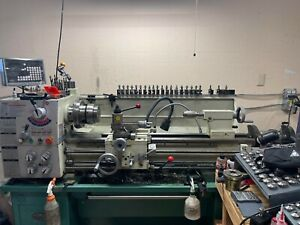 """Grizzly G0776 - 13"""" x 40"""" Gunsmithing Lathe with DRO"""