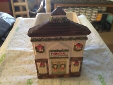 Yankee Cabdle Town Hall Candle Holder