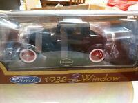 Modellino Nero Ford 1932,  3 window Road Legends scala 1/18 da collezione