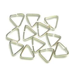 50 SILVER PLATED 9mm triangolo Anelli Aperti risultati