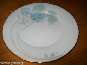 Noritake Blue and Gold 7703 Dinner plate Vintage retro Mid-Century
