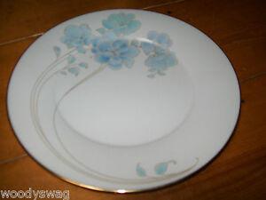 Noritake Blue and Gold 7703 Dinner plate Vintage retro Mid-Century