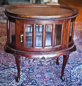 Antique Mahogany Oval Curio Vitrine Butler Tea, End Table Liquor Cabinet 1920-30