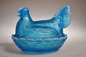 """c. 1982 7"""" HEN ON NEST by L.G. Wright BLUE OPALESCENT Covered Dish"""