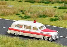 Busch -H0- 5611 Cadillac Station Wagon  Ambulance mit Blinkleuchte
