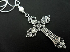 A LOVELY TIBETAN SILVER  LARGE CROSS/CRUCIFIX WHITE JADE BEAD NECKLACE.
