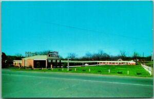 Vintage 1950s Columbia, Tenn. Postcard JAMES K. POLK MOTEL Highway 31 Roadside