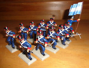 Attacking ARGENTINEAN GRENADIERS on foot DSG  Plastic Soldiers Britains