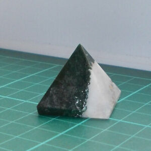 Auction Agate Crystal Pyramid 25mm