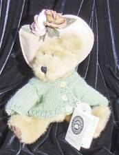 "BOYDS BEARS~MRS TRUMBULL~10"" JOINTED~GREEN KNIT SWEATER~1998 RETIRED"