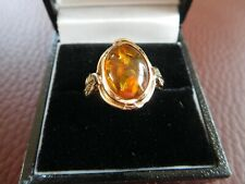 STUNNING AMBER RING SET IN YELLOW GOLD