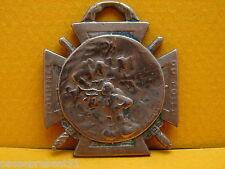 Jolie ancienne médaille, Journée du Poilu, 1915